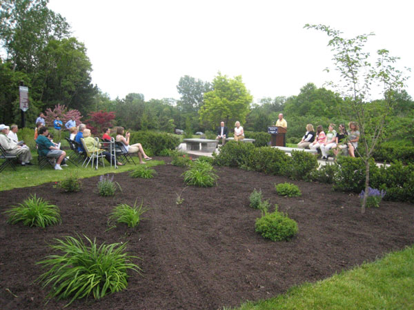 Cancer-Survivors-Park-Landscaping